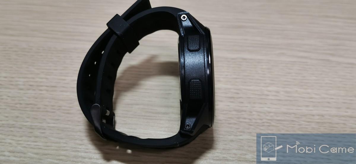 ZeblazeのフラグシップスマートウォッチTHOR5のボタン部分